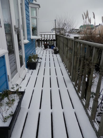 More snow on Monday morning means negotiating white decking today